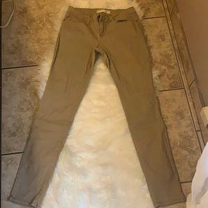 No boundaries pants size 9 (runs small)